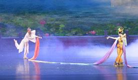 2018版《丝路花雨》在敦煌全球首演